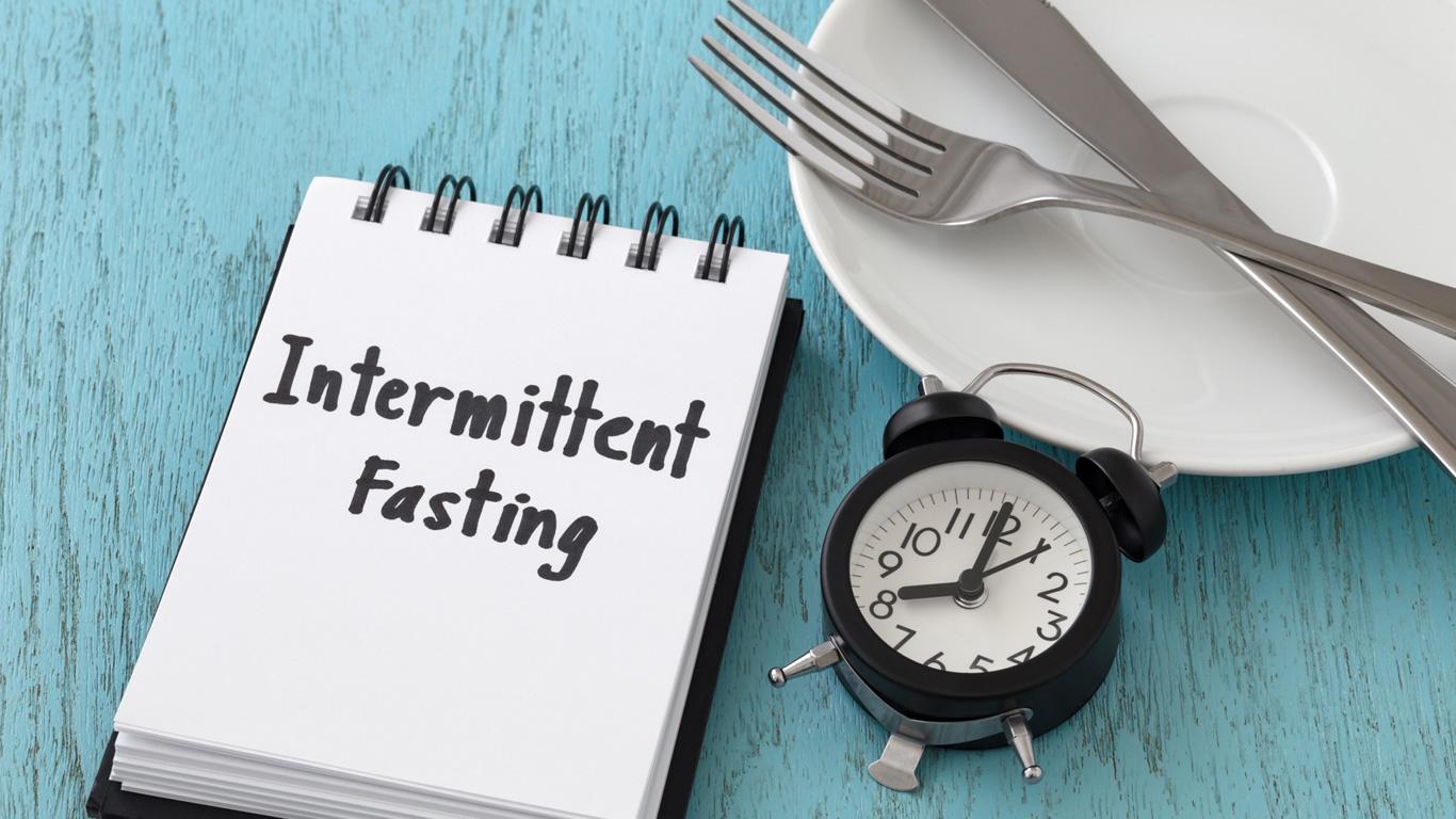 Intervallfasten: Kein Vorteil gegenüber herkömmlichen Diäten