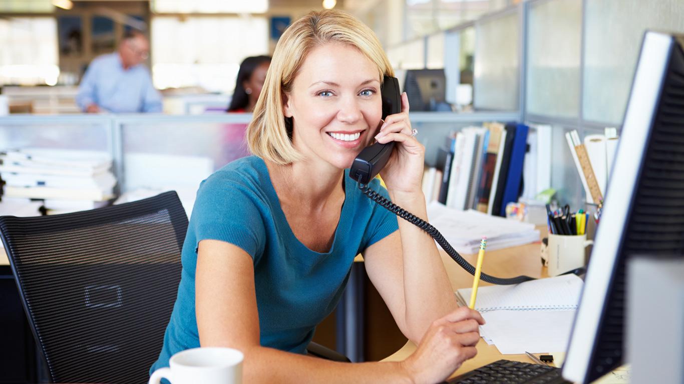 TelefonSeelsorge: Wer findet Hilfe und wer sitzt am anderen Ende der Leitung?